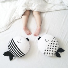 Cartoon Fish Plush Couple Wave Print Striped Room Decoration Throw Pillow Kids Toys Baby Cushion Kiss Round