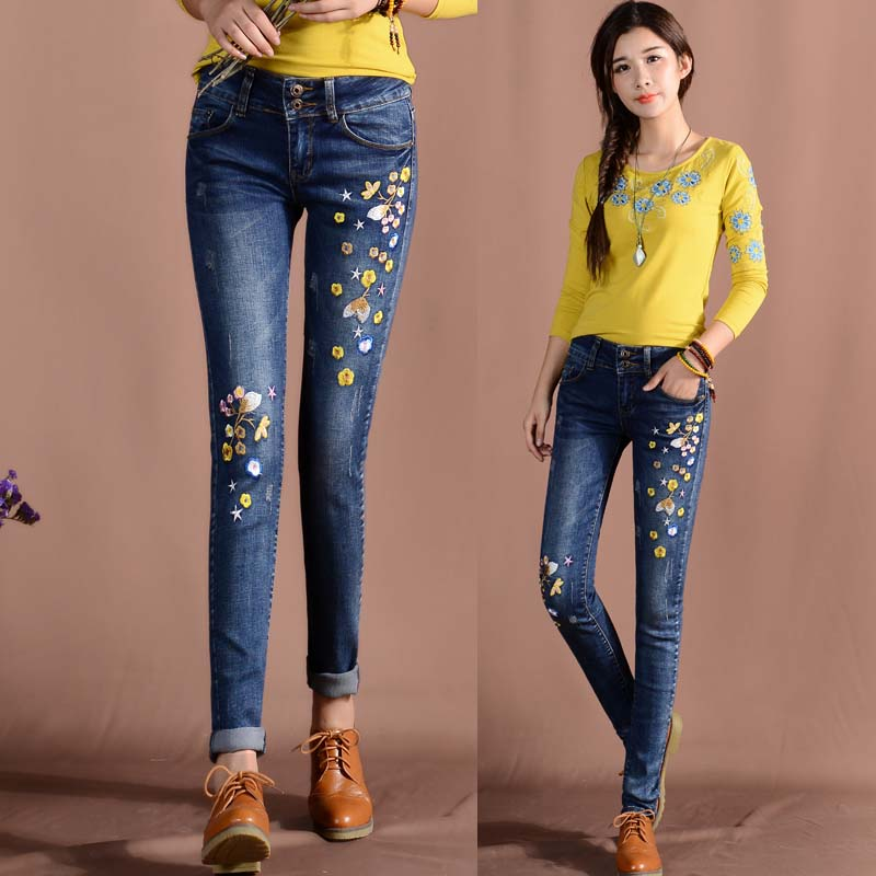 Plus Size Women Flower Embroidered Pencil   Jeans   Spirng Summer Ladies Large Size Stretch Female Denim Pants L593