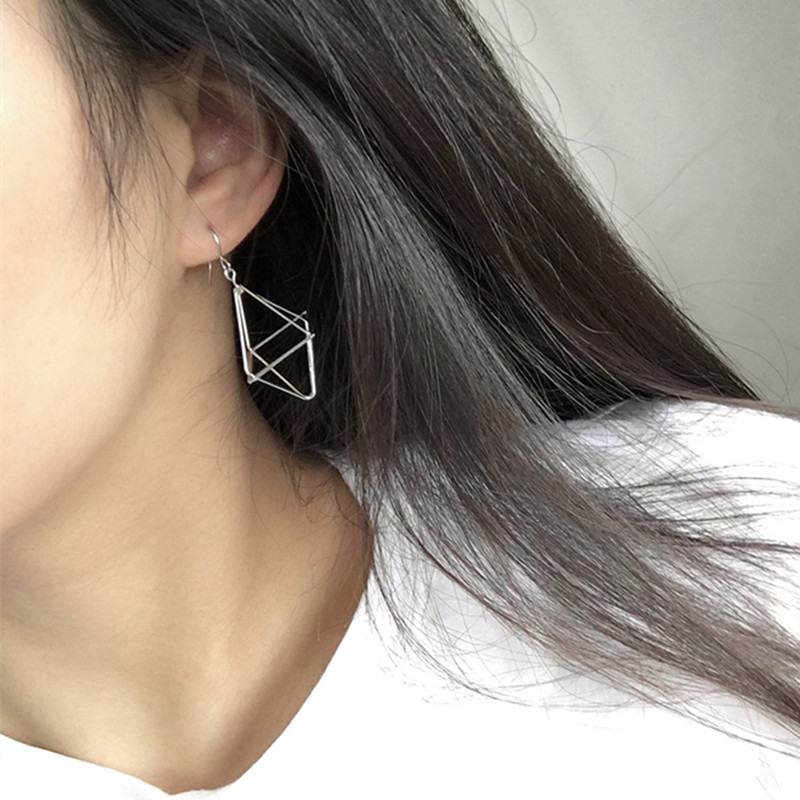 Simple Women Girls Hollow Fish Frame Stud Earring