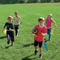 4 PCS/LOT.2 cor misturada Conjuntos De Futebol De Bandeira, Ao Ar Livre brinquedos. brinquedos Esporte. reunião de Esportes. Crianças brinquedos. activity. Freeshipping Atacado