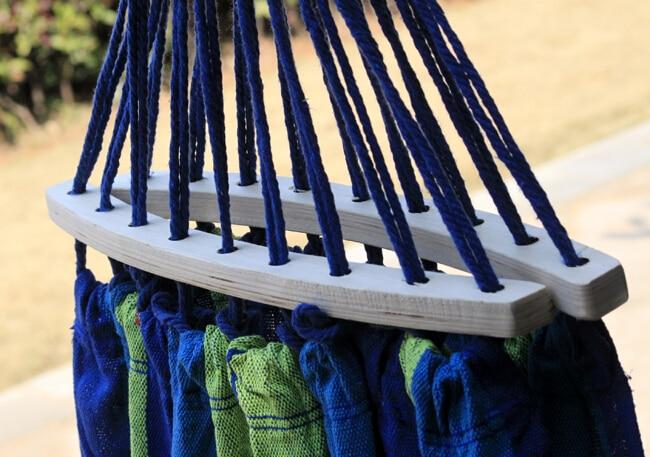 Prevent Rollover Hammock Spreader Canvas Hammocks Bar Garden Camping Swing Hanging Bed Blue Red Colors