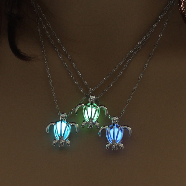 Fashion Jewelry Vintage Silver Color Chain Hollow Turtle Pendant Necklace Glowing In The Night Luminous For Women Necklace