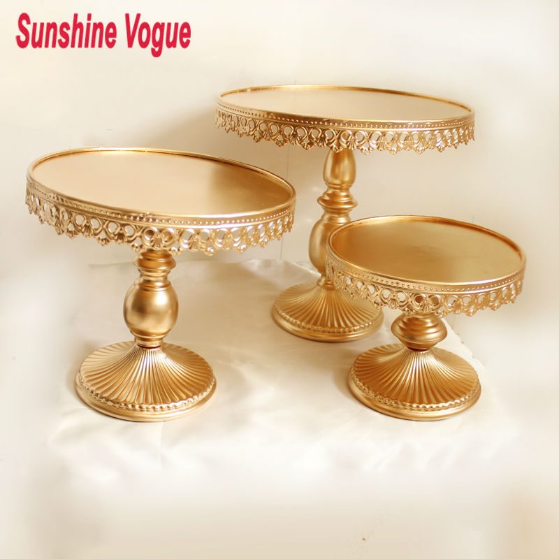 Gold metal cake stand iron art and cake display tray for Decoration stand