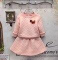 Niñas otoño/invierno ropa set camisa de color rosa con falda de los cabritos de la muchacha pullover chándal para niños ropa set