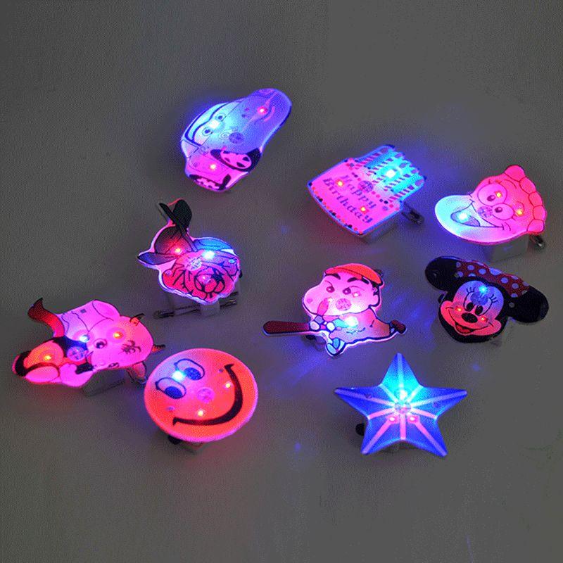 1pcs Creative Plastic Cartoon Luminous 7 Color Brooch Badgekids