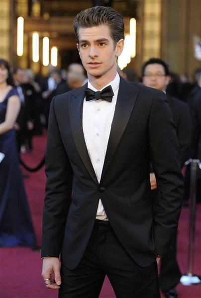 a330bdf3a2b20 Slim Fit Bir Düğme Siyah Damat Smokin Groomsmen erkek Düğün Gelinlik Damat  Takımları (Ceket + Pantolon + Kuşak + kravat) K: 614