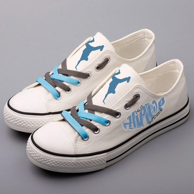 Disegno di modo di Hip Hop Danza Degli Uomini Stampati Scarpe di Tela  Personalizzare Low Top Ragazzo Studenti Casual Camminare Scarpe Da Tavolo  Tenis ... 304d5227dca