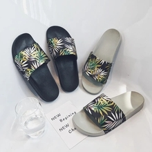 Fashion Men Plant Printing Beach Slippers Male Anti-Slip Male Flip Flops Slippers Summer Casual Shoes