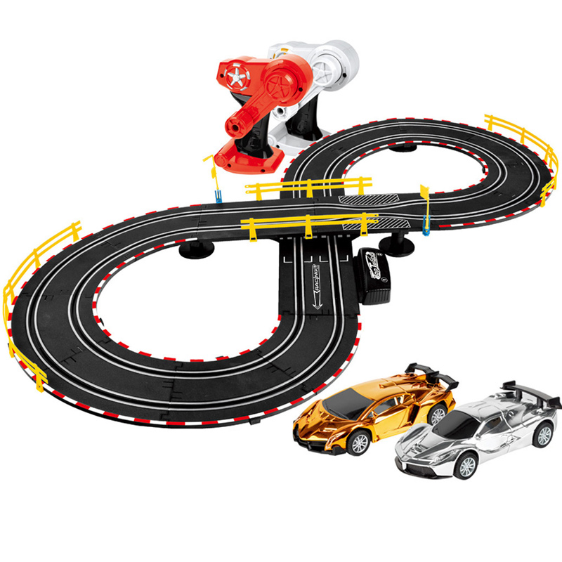Piste de course Jouer Ensemble bricolage télécommande Électrique voiture de course voiture pour enfants Piste jouet modèle Ferroviaire Piste De Course Route Transport