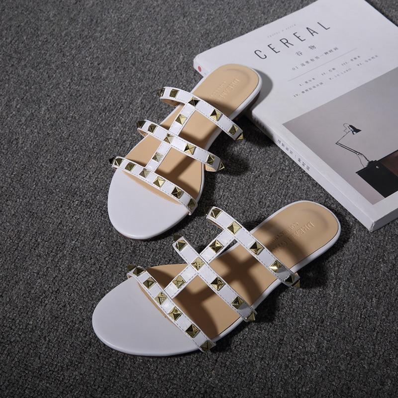 Femmes Brun white Mode Beige Femelle Plat black D'été 3 Noir De Sandales Marque Chaussures Luxe Rivet 2018 Blanc Casual Couleurs wxXPHggq