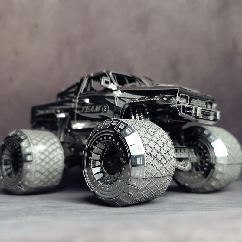 NANYUAN I32206 OFF-ROADER CAR Metal Assembly Model 3D Puzzle Super Big Tires Developing Hands-on Ability Creative Toys 3 Sheets