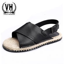 Leather sandals mens leisure breathability flat soles anti-slippery slippers individuality straw Roman shoes summer sandals.