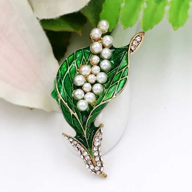 baiduqiandu Brand New Arrival Green Enamel and Simulated Pearl Brooches for Dres