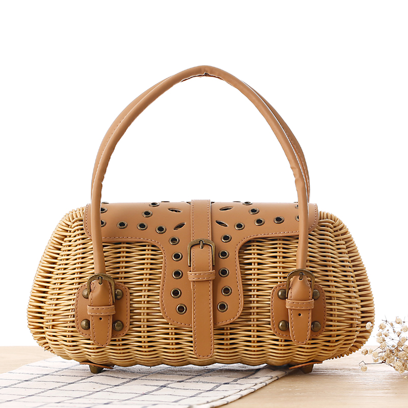 Galleria fotografica Ins handbags women bamboo top handle bags female causal totes small hollow summer beach bags for ladies and girls wood 2018