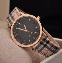 2017 Лидер продаж Топ Элитный бренд Повседневное кварцевые часы Женская обувь наручные часы золото плед полосы Женщины кожаный ремешок часы Reloj Mujer