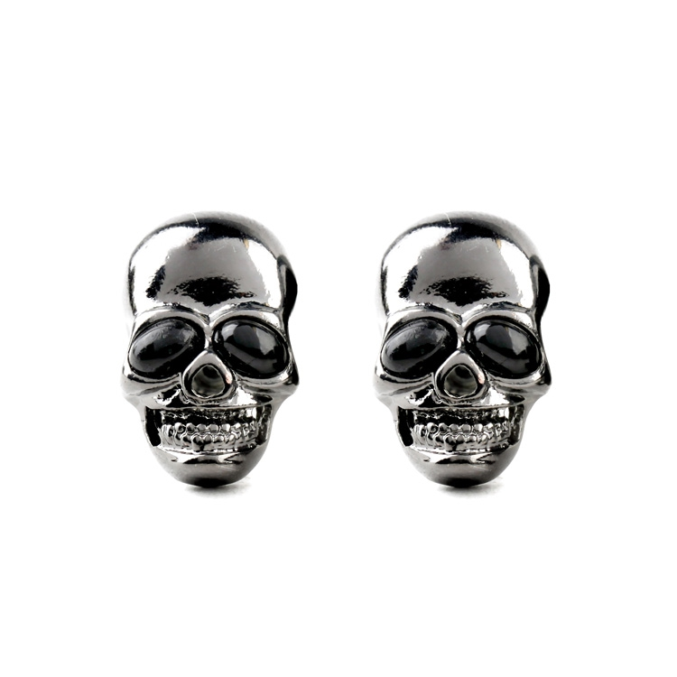 Cool Small Vintage Punk Skull Earrings 2017 Personalized Ear Piercing Women Men Earrings Cheap Gift Accessories