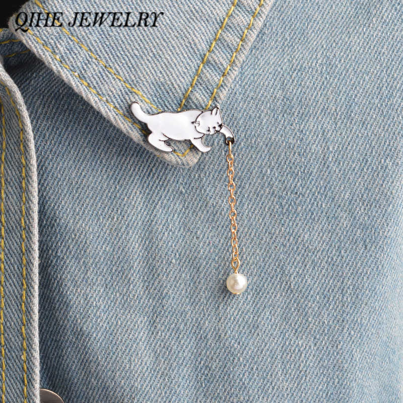 QIHE JEWELRY Cat Pin With Pearl Tassel Cat Brooch Badge Funny Cat Jewelry For Girl Gift
