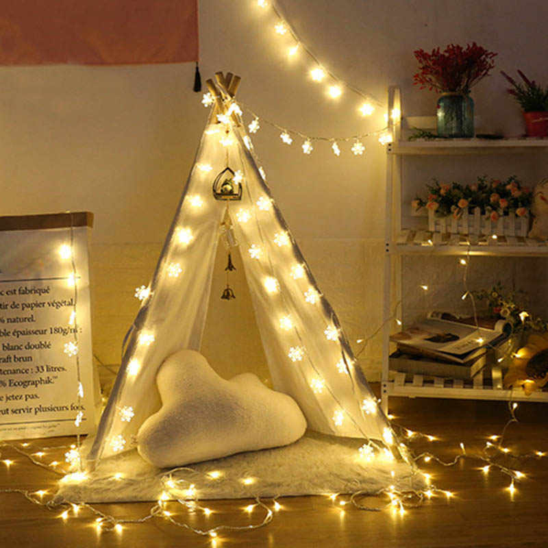 Guirnalda LED de copos de nieve para vacaciones, guirnaldas de luces alimentadas por batería, adornos colgantes, decoración para el hogar, fiesta, árbol de Navidad