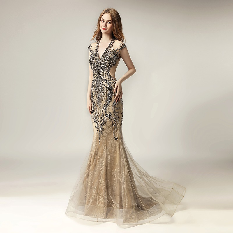 2018 Unique Shining Crystal Celebrity Dresses in Stock Luxury Women Fashion  Tulle Dress Long V- 9d2703cb2