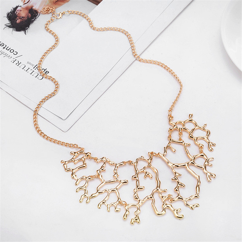 HOCOLE Vintage Geometric Hollow Branch Collar Necklace Women Gold Silver Color Coral Pendant Metal Chain Necklace Jewelry Gift in Pendant Necklaces from Jewelry Accessories