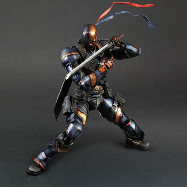 Anime PlayArts Batman Arkham Origins Deathstroke Deadpool PVC Acton Figure Collectible Model Toys Doll 27cm SHAF038 playarts kai batman arkham knight batman blue limited ver brinquedos pvc action figure collectible model doll kids toys 28cm