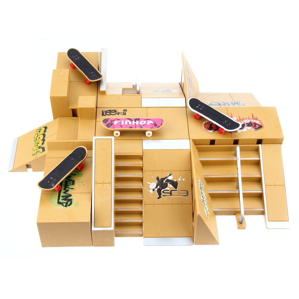 Skate Park Kit Kids Toys Ramp Parts for Tech Deck Finger Board Game Toy 11Pcs