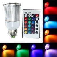 Żarówka E27 9 W Możliwość Przyciemniania Światła LED RGB IP30 Wielokolorowe Oświetlenie Światła Reflektora Żarówkę z 28 Klawiszy Pilot Bezprzewodowy AC85-265V