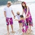 Новое Лето семьи сопоставления одежда Красный брекеты платье отец мать Дочь сын с коротким рукавом белая футболка и Брюки Наборы