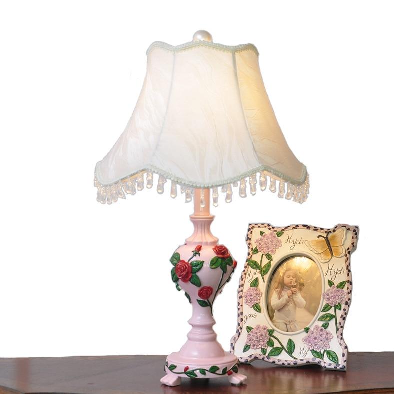 Туда Бесплатная доставка Rose форме смолы настольная лампа высокого Класс ткань тени настольная лампа творчески Романтические Розовые насто...