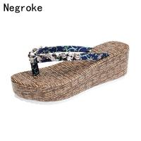 Slippers Women Flatform Shoes Rubber Thick Sole Flip Flops Broken Flower Pattern Wedges New Fashion Beach