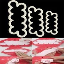 цена на TTLIFE 3pcs/set 3D Rose Flower Cookie Cutter Plastic Biscuit Mold Sugarcraft Fondant Cake Decorating Tools Dessert Baking Moulds