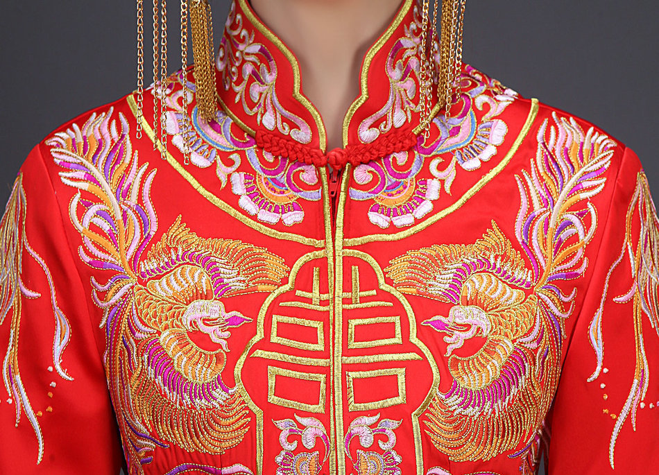 Gold Female Embroidery Robe 12