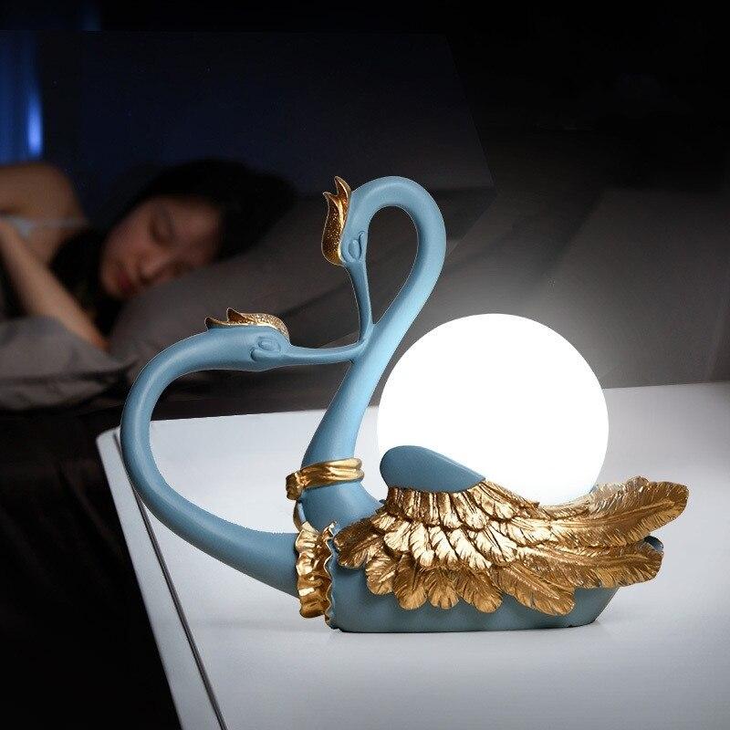 Décoration d'intérieur Led lampe de Table moderne Simple Art déco cygne Animal oiseau lampe salon chambre lampe de chevet boule verre lampe de bureau
