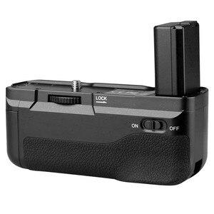 Image 3 - Meike MK A6300 Verticale Multi Power Battery Grip Mano per Sony A6300 A6000 A6400 di lavoro Della Macchina Fotografica con 1 o 2 NP FW50 batteria