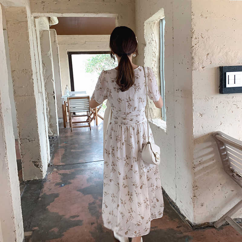 MISHOW الأزهار فستان مُزين بطباعة للنساء شاطئ بوهو فستان سبليت هيم صيف 2019 أنيق فستان طويل ملابس الفتيات MX19B1381