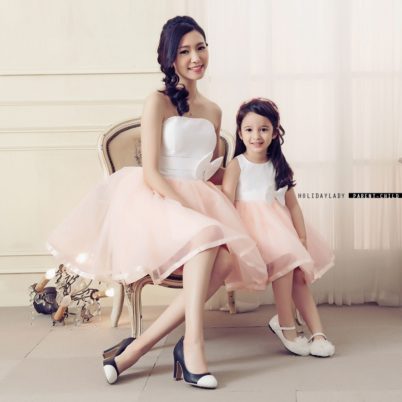Mother Daughter Wedding Dresses 2017 Summer Mom Mother and Daughter Clothes Princess Mama and Daughter Tutu Dress Luxury Design mother daughter dresses lace white princess tutu wedding dress evening party clothing spring mom and daughter clothes outfits