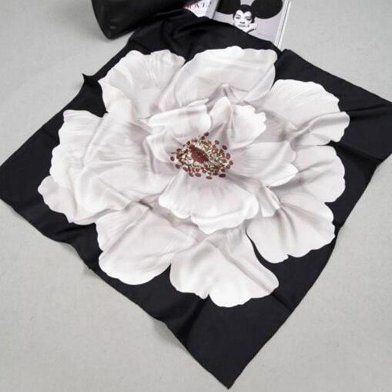 Fabuleux Fleur Imprimé Bandana Hijab 100% Twill De Soie Foulard Carré soie  Écharpe Femmes 90 Femme Echarpes   Wraps Châle Main laminé à a9841b167d8