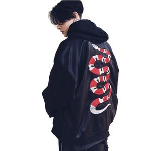 Image 5 - Mannan Herfst 2018 Jas Snake Borduren Jas Dunne Mannen Hip Hop High Street Streetwear Geborduurde Koppels Baseball Jas