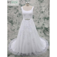 Branco Tule Renda Apliques Assoalho-Comprimento vestido de Uma linha-vestido de Casamento Capela Train Lace up Beading Vestido Nupcial Feito Sob Encomenda feito