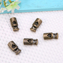 100 pcs/lot 2-hole square metal alloy stoppers toggle cord locks Drawstring lock bungee cord Silver/ Gun Black/bronze цена 2017