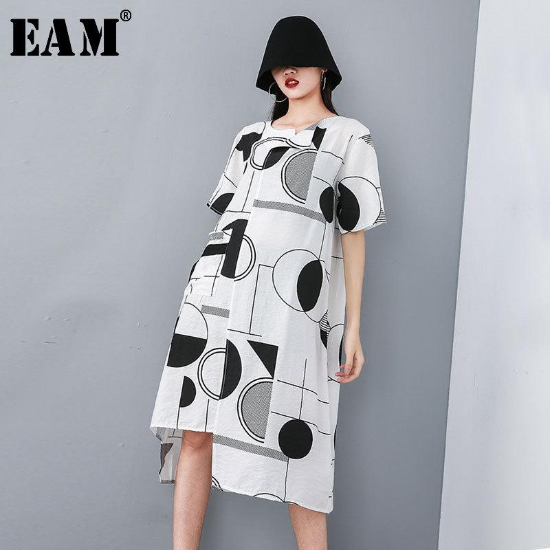 [EAM] 2020 New Spring Summer Round Neck Short Sleeve White Pattern Printed Loose Irregular Hem Dress Women Fashion Tide JT604