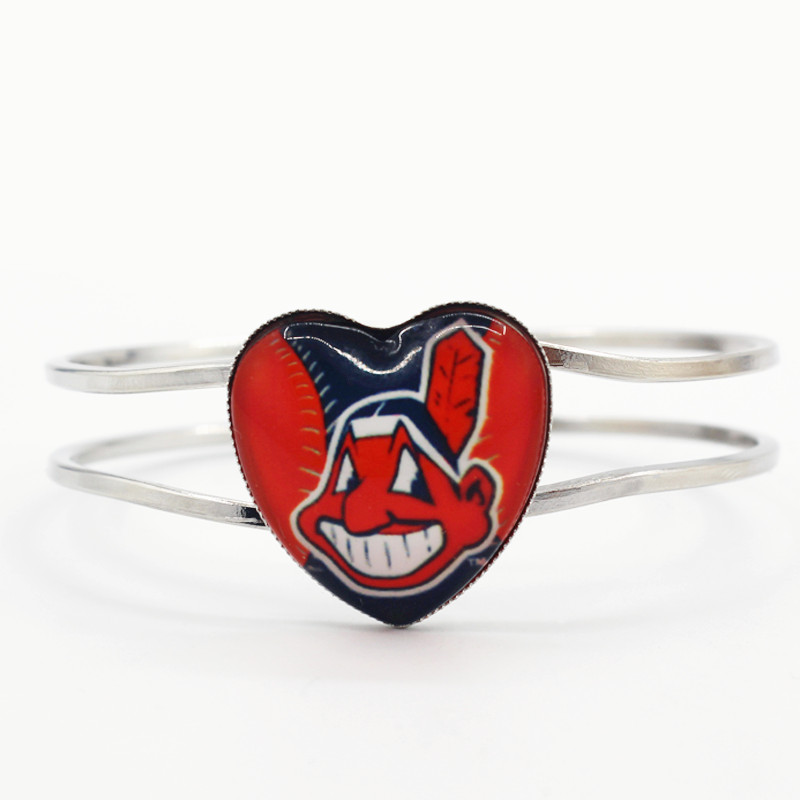 Hot selling 6pcs/lot silver heart bracelet baseball sports team Cleveland Indians charms fashion bangles bracelets jewelry