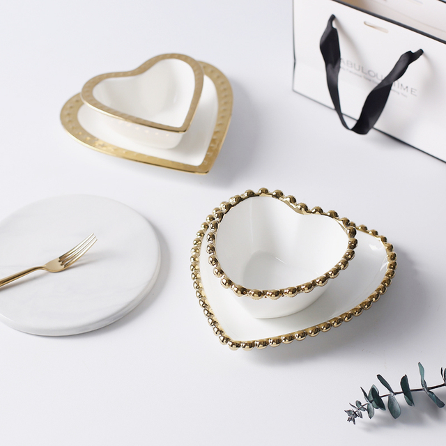 Small Creative Love Gold Heart Shape Porcelain Plate Bowl Saucer Ceramic Jewelry Dish Decorative Tray Table