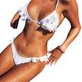 TAUPIN AM Сексуальные Женщины Устанавливает Лето 2017 Пляж Стиль Из Двух Частей Костюмы Белый Пляжная Цветочные Холтер Женщины Набор