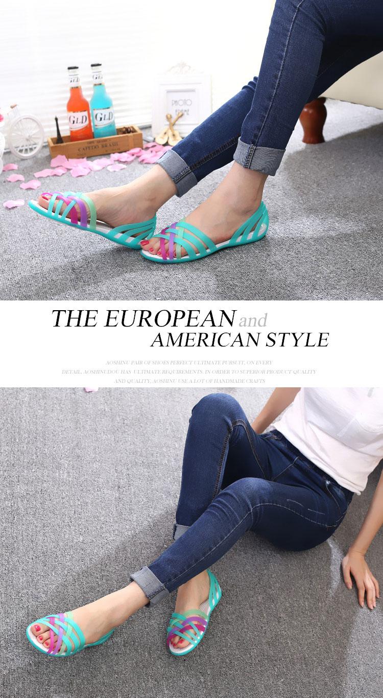 HTB1wLP8XZfrK1Rjy1Xdq6yemFXa1 New Summer Jelly Sandals Women Flat Sandals Peep Toe Beach Shoes Rianbow Ladies Slides Candy Rainbow Flats Sandalia Feminina