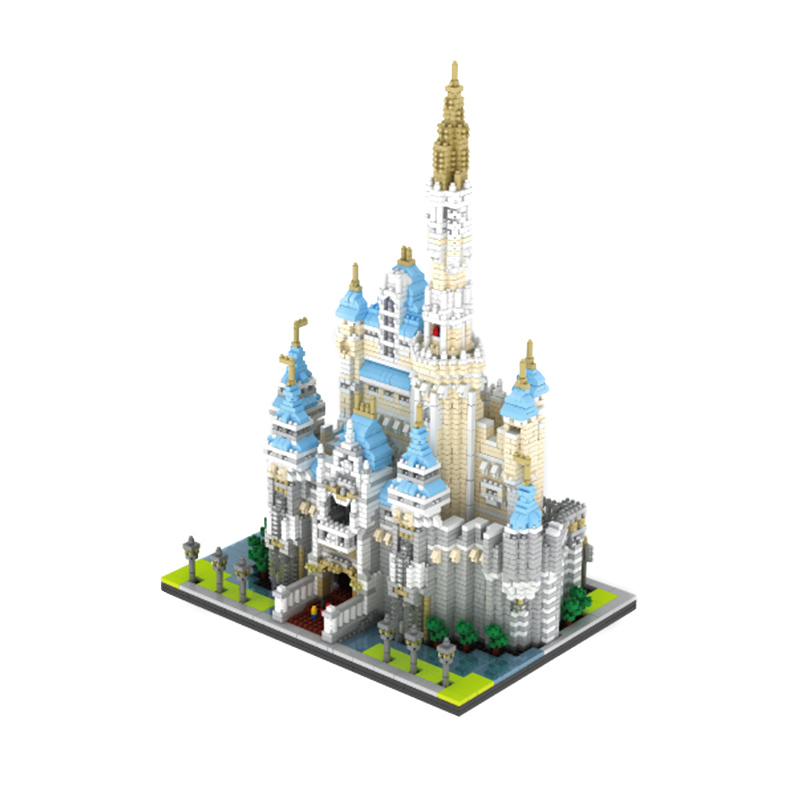 все цены на Large Block Castle Model Figure Building Brick Plastic DIY Castle blocks Educational Gift Children Compatible Educational Toys онлайн
