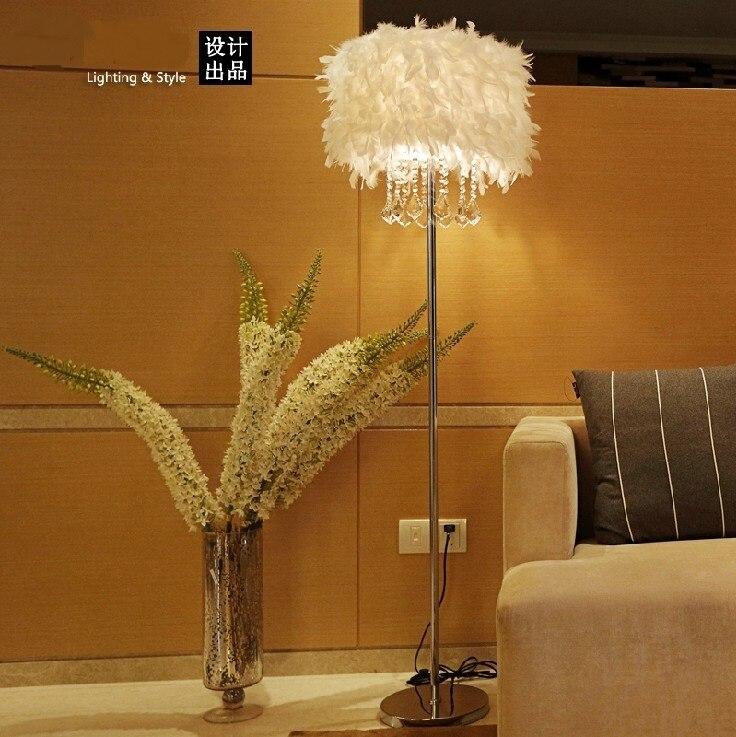 Feather Floor Lamp K9 Crystal Lamp Home Lighting Living Room Dining Room Bedroom Stand Light Red/White/Black ZL338