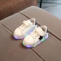 New Cool mesh infantile tennis illuminazione scarpe per bambini LED cool  casuali delle ragazze dei ragazzi a90ba2e7ed5