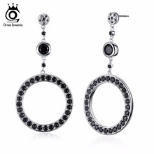 ORSA JEWELS New Arrival Luxury Round Shape Stud Earrings with 37 Pieces White or Black Cubic Zirconia Earrings for Women OE158