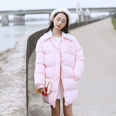 все цены на  2017 Korean loose thickening wave point cotton coat female leisure in the long section of the lapel students warm coat  онлайн